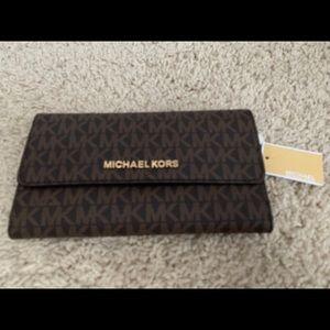 NWT Michael Kors signature Wallet